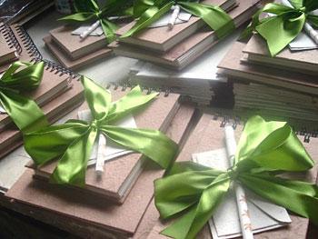 Produtos artesanais em papel anunciados no Classificados da Vila