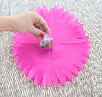 Posicione o doce no centro da flor
