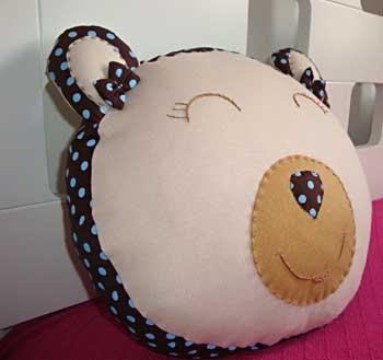 Almofada de ursinho para a caminha do bebê