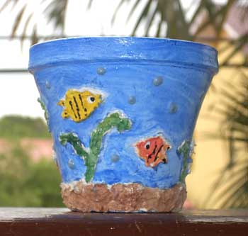 Vaso de cerâmica decorado para embelezar o jardim