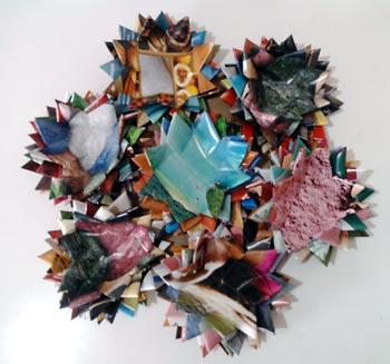 Mandala feita com reciclagem de revistas