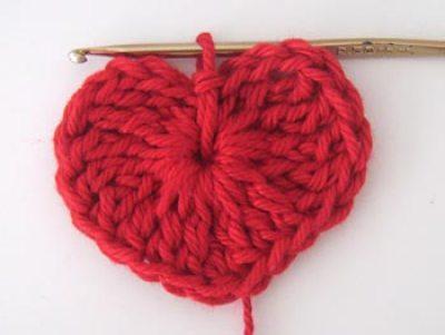Coração de crochê - Arremate no miolo com um ponto baixíssimo
