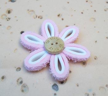 Aqui temos a flor de EVA prontinha para nossos projetos