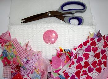 Material para fazer uma almofada em patchwork Crazy
