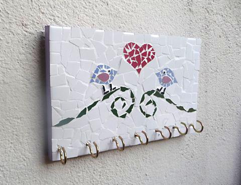 Porta-chaves de mosaico feito com sobras de madeira