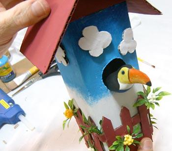 Casa de passarinho reciclada - Cole o passarinho