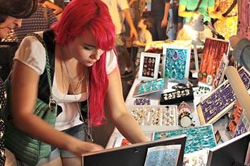 Acessórios e objetos artesanais são um dos atrativos do bazar O Mercado