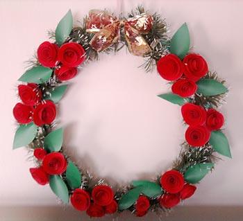 Guirlanda para ano inteiro com rosas de papel