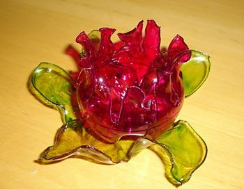 Flor feita a partir de garrafas pet