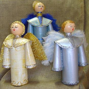 Anjos de natal feitos em garrafa pet