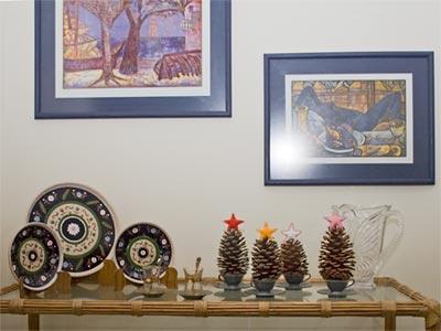 Pinhas enfeitadas com feltro para decorar o Natal