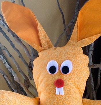Carinha do coelho de páscoa de tecido