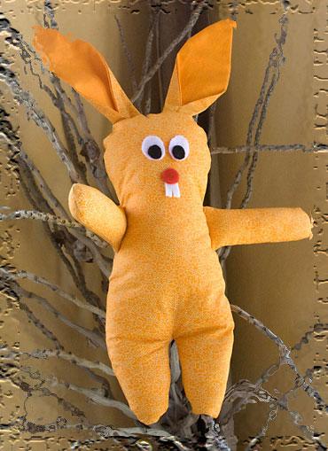 Coelho de tecido, um boneco de páscoa