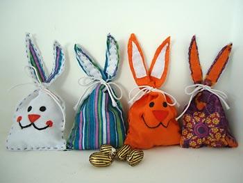 Saqunhos com orelhas de coelho