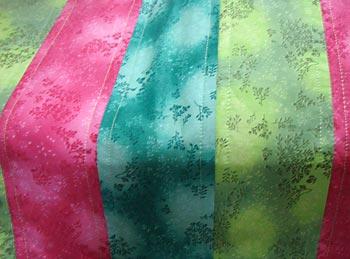 Costure nas emendas junto com a manta
