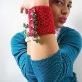 Pry Olyver, colunista de tricô e crochê com acessórios
