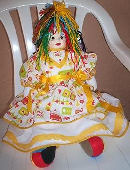 Boneca Emília de pano