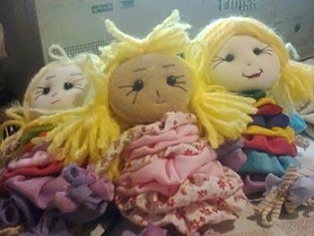 Mini bonecas de fuxico