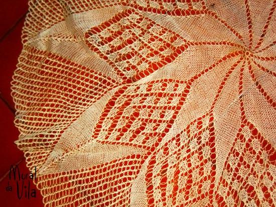 Centro de mesa com fios em tricô