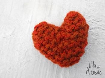 Coração de tricô com sachê perfumado pronto