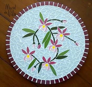 Bandeja giratória com mosaico