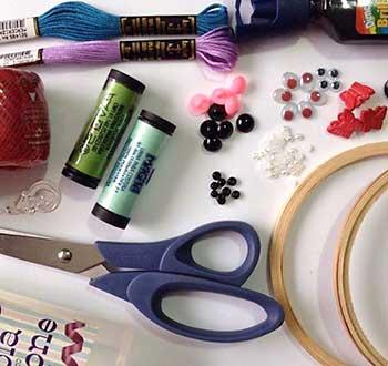 Materiais diversos para projetos artesanais