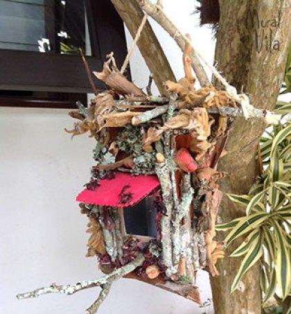 Casinha de passarinho com reciclagem da natureza
