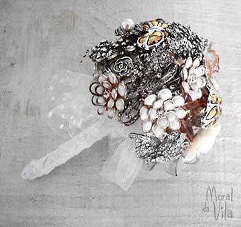 Bouquet de noiva com flores de broches
