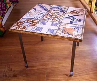 Mesas ninho modelo com azulejos