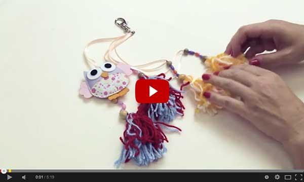 Clique para assistir ao vídeo do chaveiro com pingentes