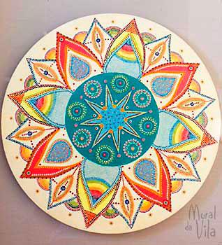 Mandalas com pintura em pontilismo