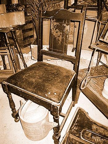 Cadeira antiga modelo colonial