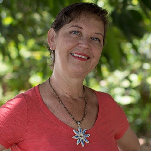 Cris Turek, editora de conteúdo da Vila do Artesão
