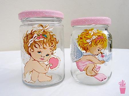 Pintura sobre vidro nos potes usados