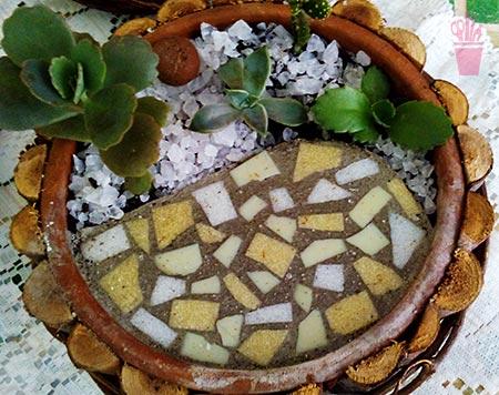 Parte jardim parte mosaico