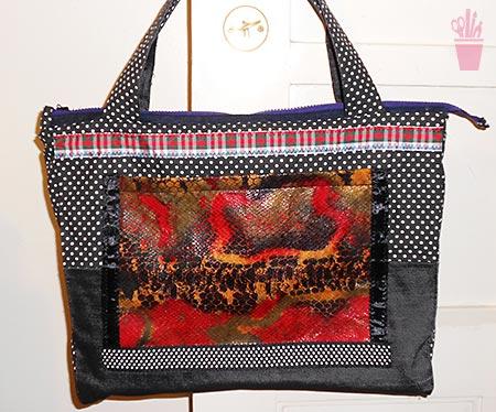 Bolsas com patchwork de estampas