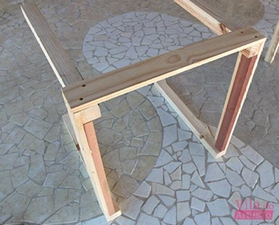 Em que ponto estamos na montagem da mesa de madeira