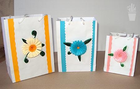 Embalagem de presente decorada com quilling