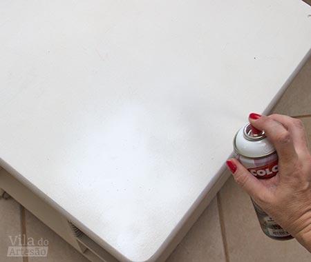 Finalize com tinta spray