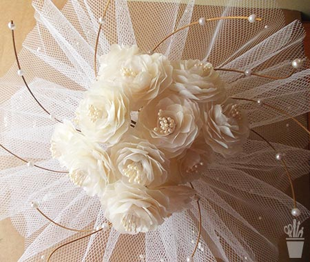 Buquê de noiva com flores de escama de peixe
