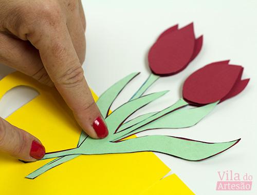 Posicione a segunda tulipa