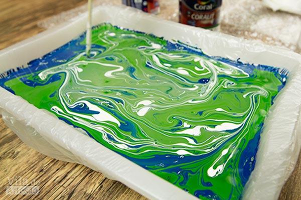 Crie os desenhos para a marmorização