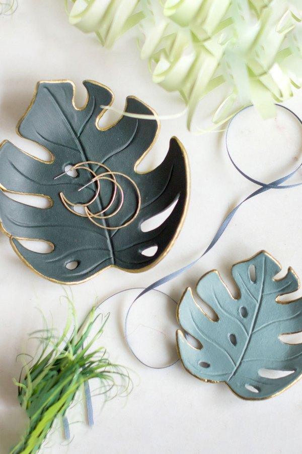 Porta-jóias formato folhas de Monstera