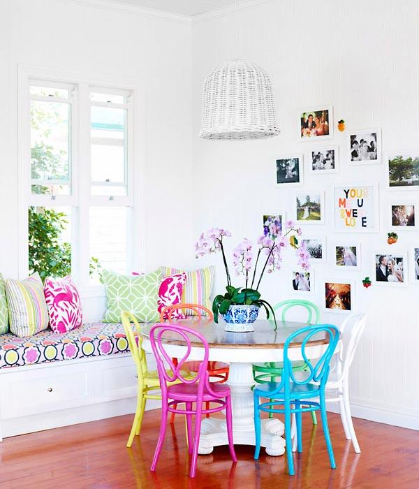 Sala de jantar decorada para o verão