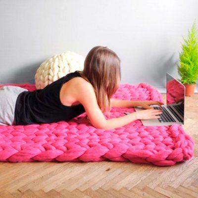 Como fazer uma manta com tricô de braço