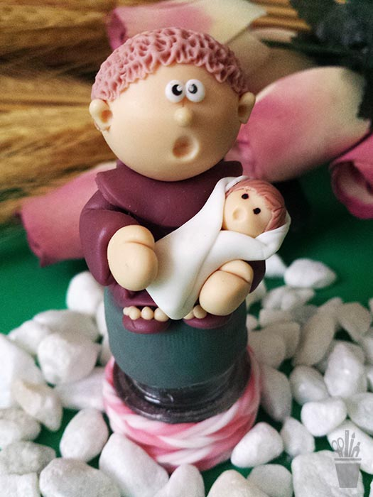 Santo Antonio em biscuit para lembrancinha