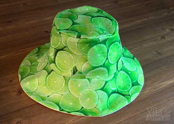 Lado estampado chapéu de praia