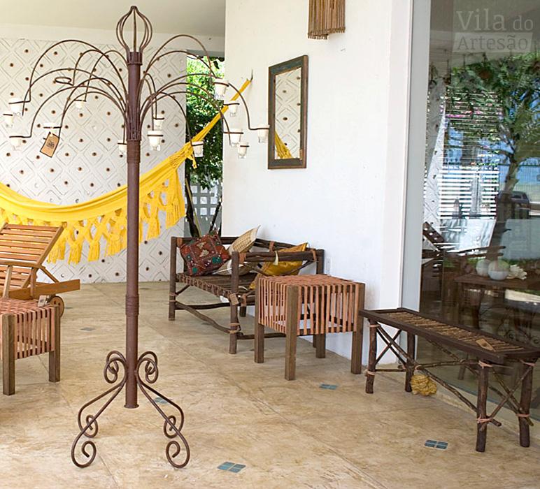 A varanda com móveis e objetos