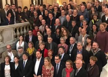 Foto-Celebracio-Aprovacio-Vegueria-Penedes-08-02-2017-Parlament-Catalunya-V02