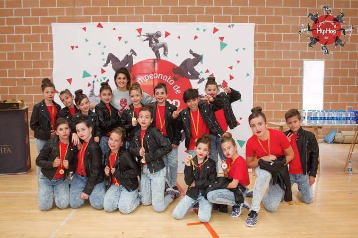 Huesitos grup infantil de competicio de hip hop de vilanova del cami